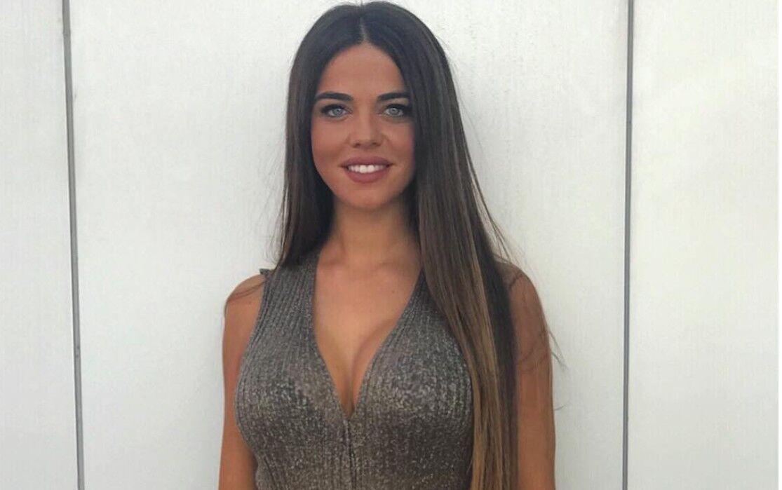 El espectacular topless playero de Violeta Mangriñán (días después de Sofía Suescun)