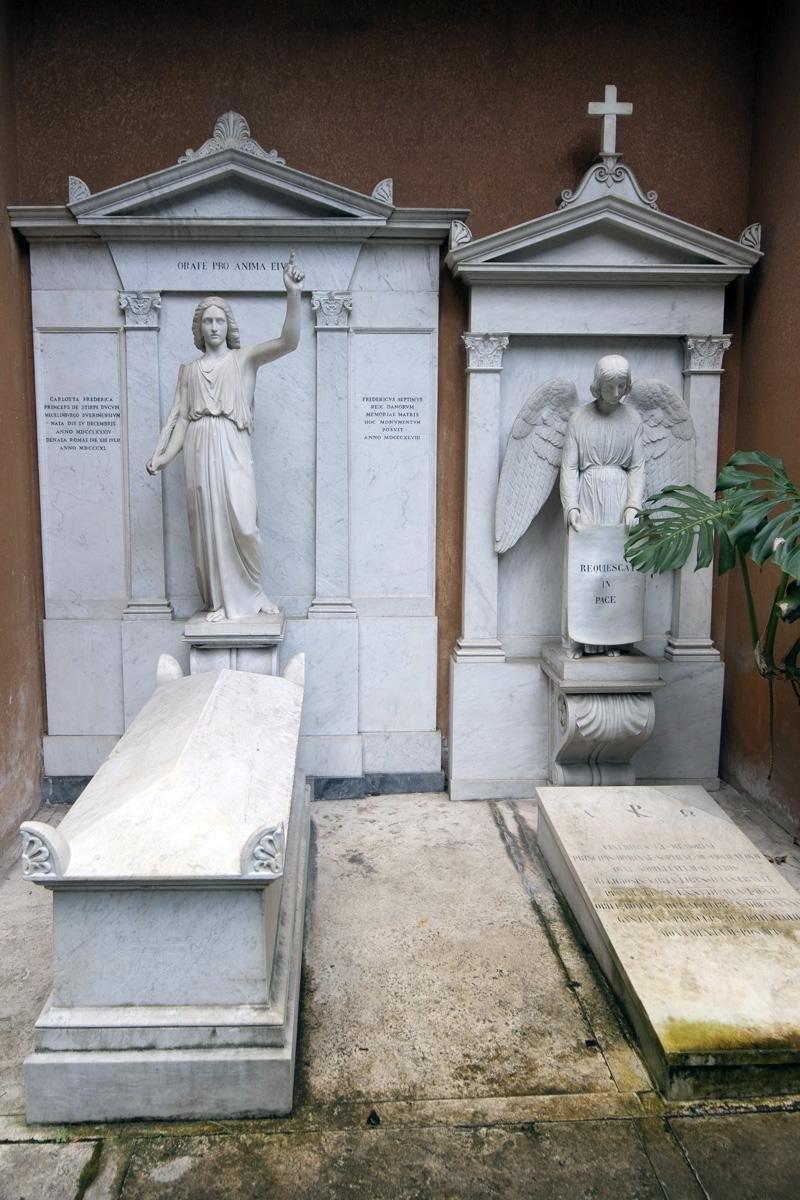 tumbas-emanuela-orlandi-vaticano.jpg