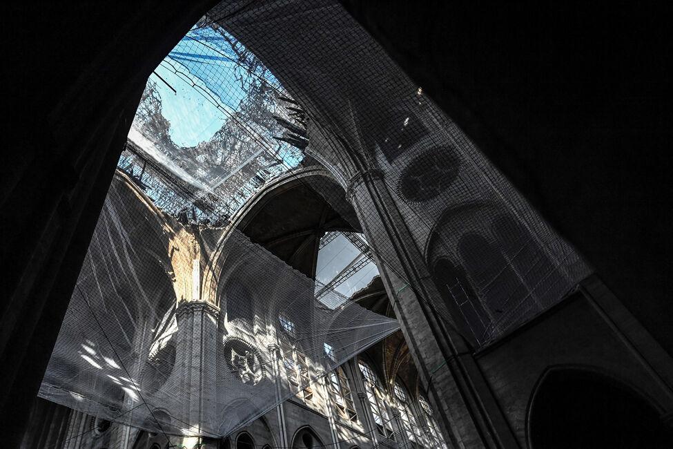 Espectacular incendio en la Catedral de Notre Dame de París Desperfectos-notre-dame-paris-190719-5