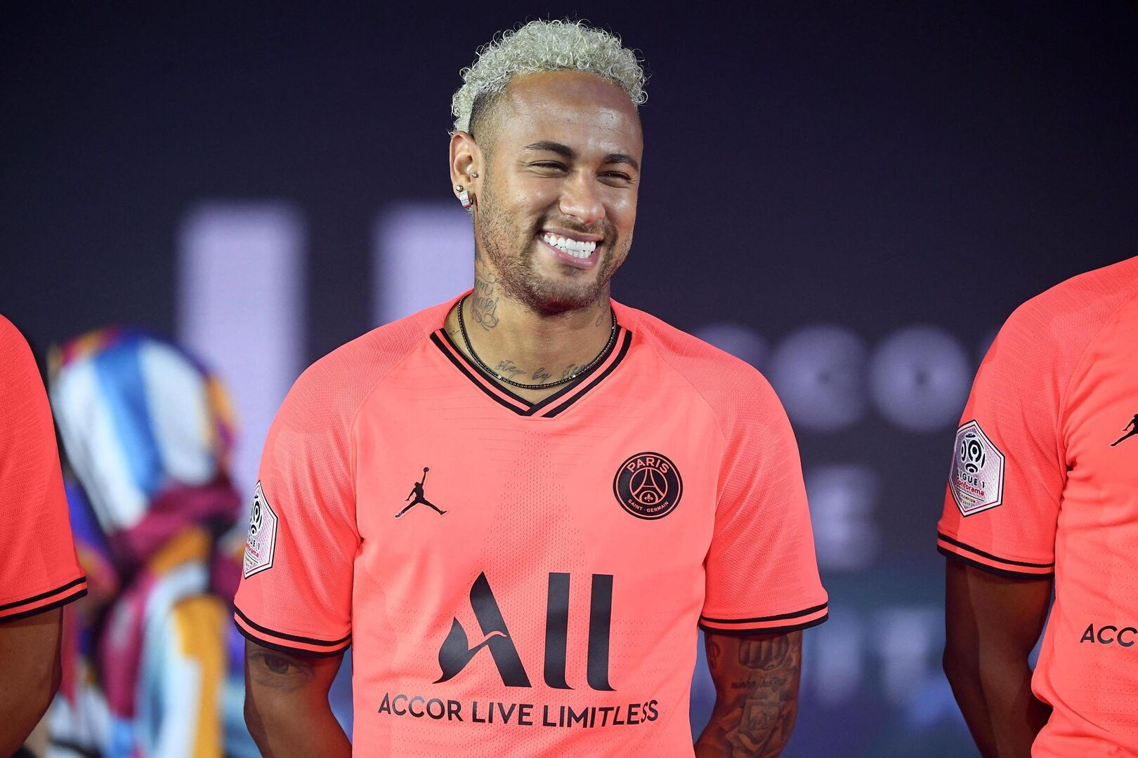 """En París comienzan a pensar que el interés del Barça por Neymar es puro """"farol"""""""