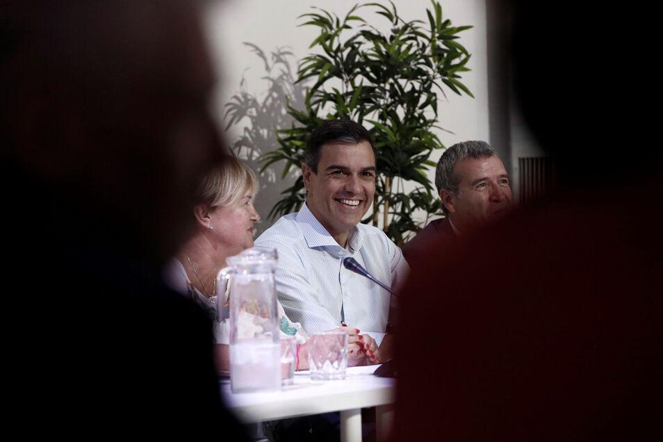 Sánchez planea llenar de tontos la España vacía