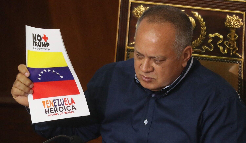 El chavismo dice que quiere convocar elecciones mientras aumenta su acoso contra opositores
