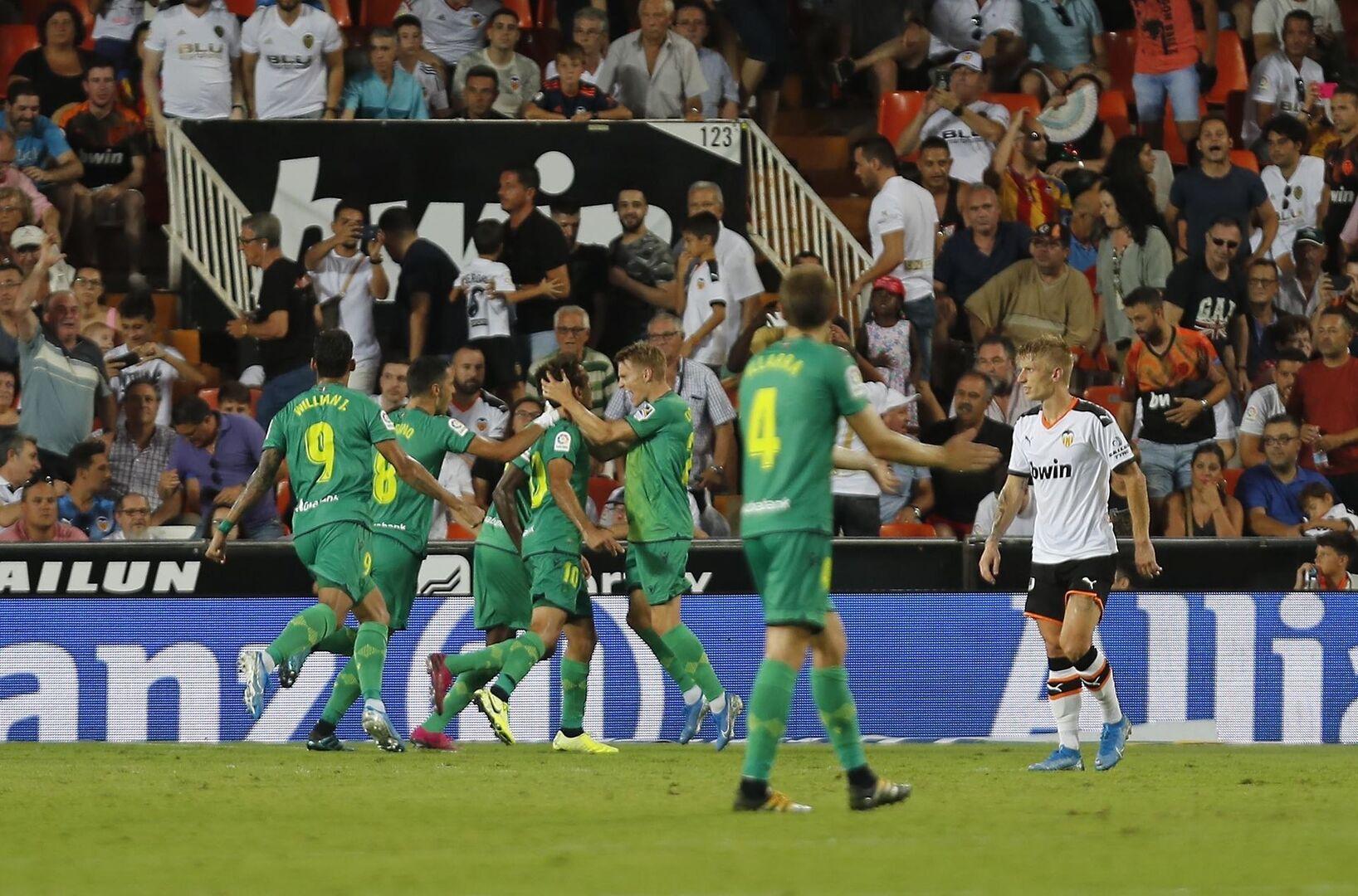 Empates entre Valencia y Real (1-1) y Villarreal y Granada (4-4) y victorias de Mallorca (2-1) y Osasuna (0-1)
