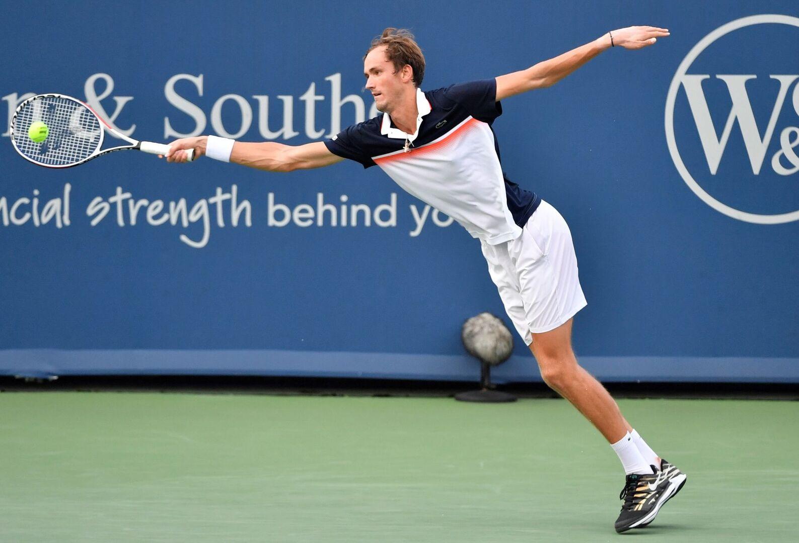 Djokovic cae ante Medvedev en Cincinnati y no estará ante Goffin en la final de mañana