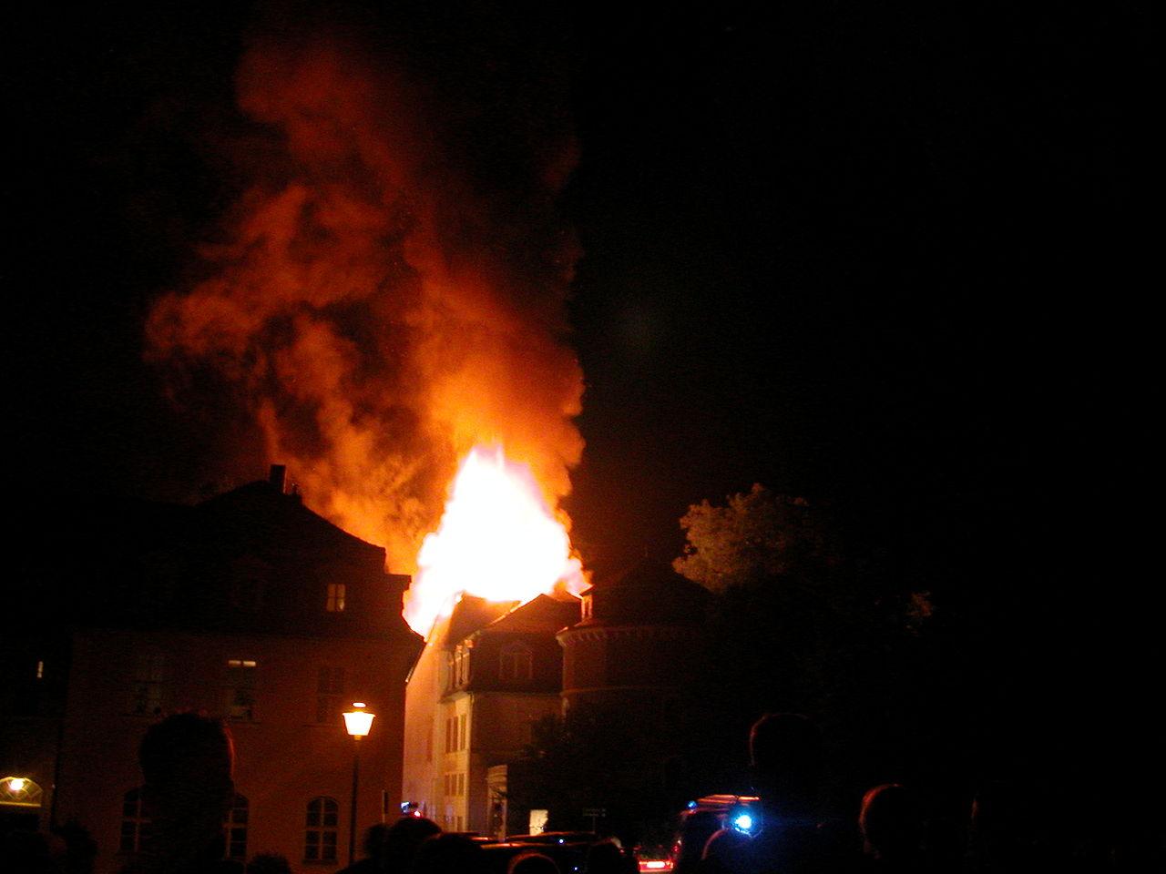 incendio-biblioteca-annaamalia.jpg