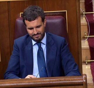 Casado y Rivera critican a Sánchez su actuación ante el desafío independentista