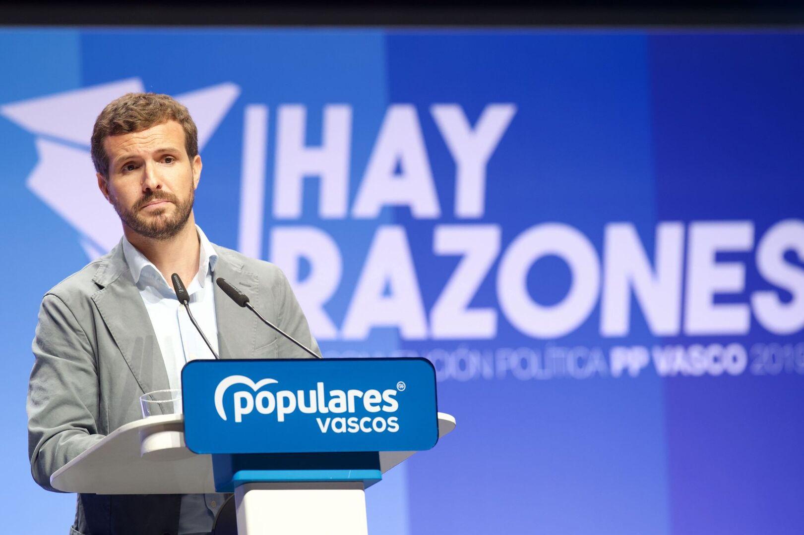 """Casado recrimina a Cs y a Vox su falta de generosidad: """"Es cuestión de ajedrez electoral"""""""