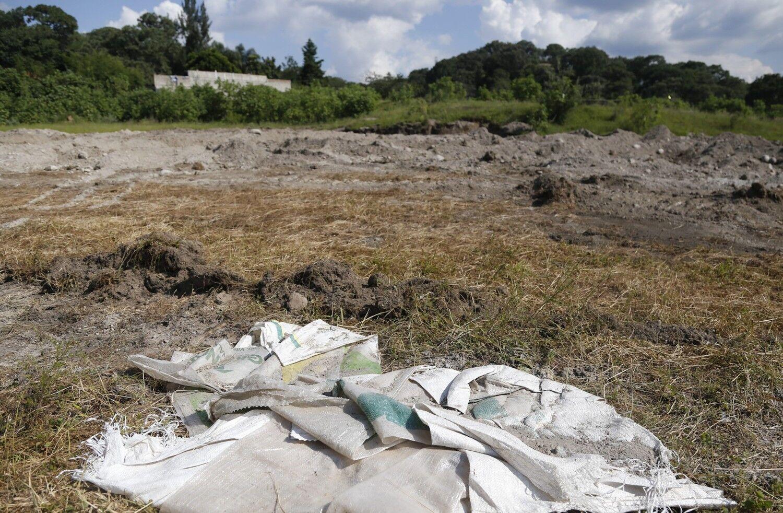Hallan en México una fosa con 119 bolsas con restos humanos de unas 44 personas