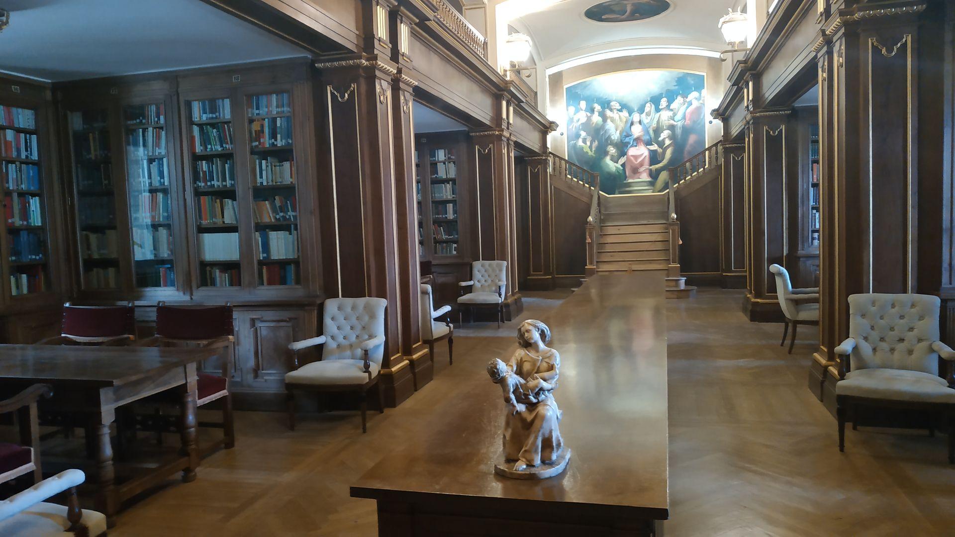 biblioteca-valle-de-los-caidos.jpg