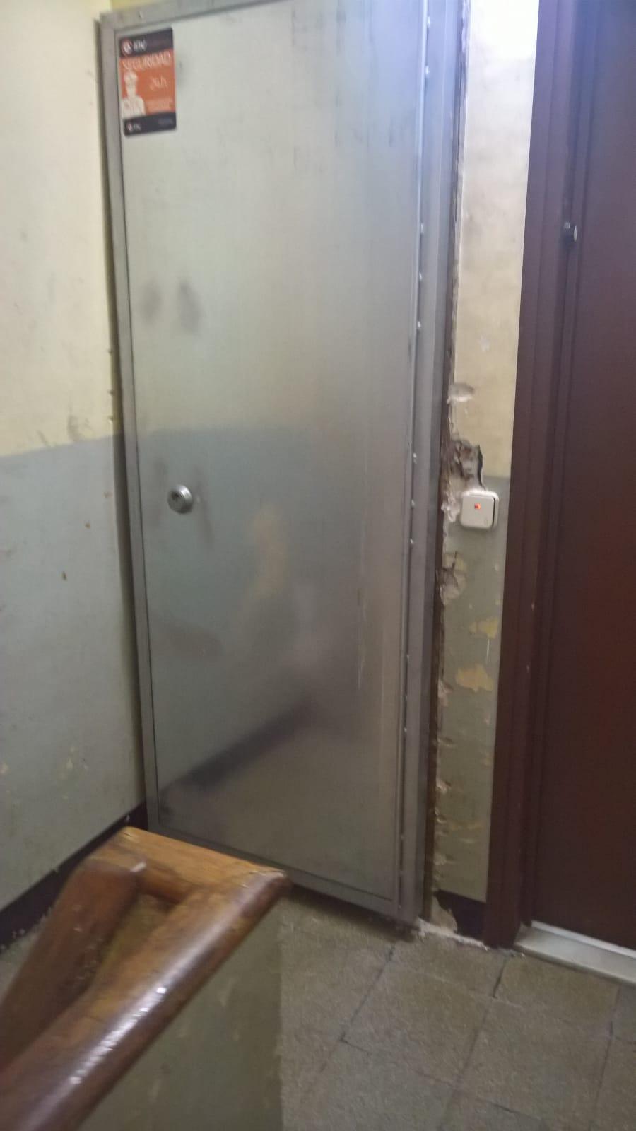 puerta-metal.jpg