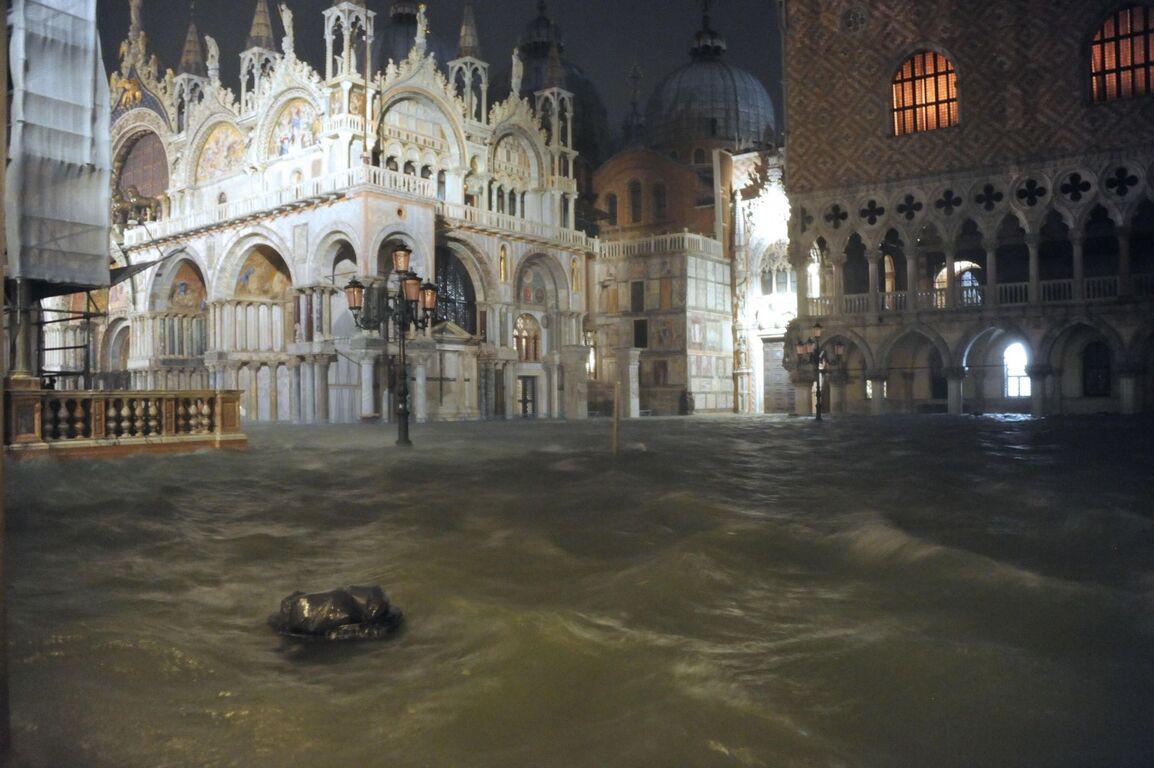 Seguro que has visto Venecia inundada ¿Pero la conoces sin agua? Inundaciones-venecia-noviembre-2019-6