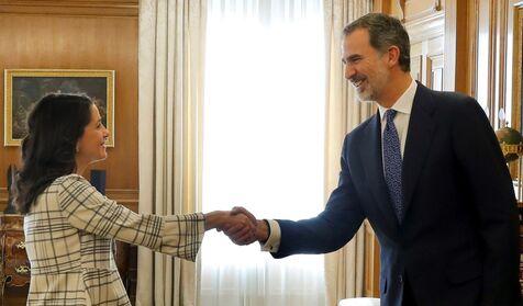 Arrimadas llamará a Pedro Sánchez para ofrecerle un pacto con PP y Cs