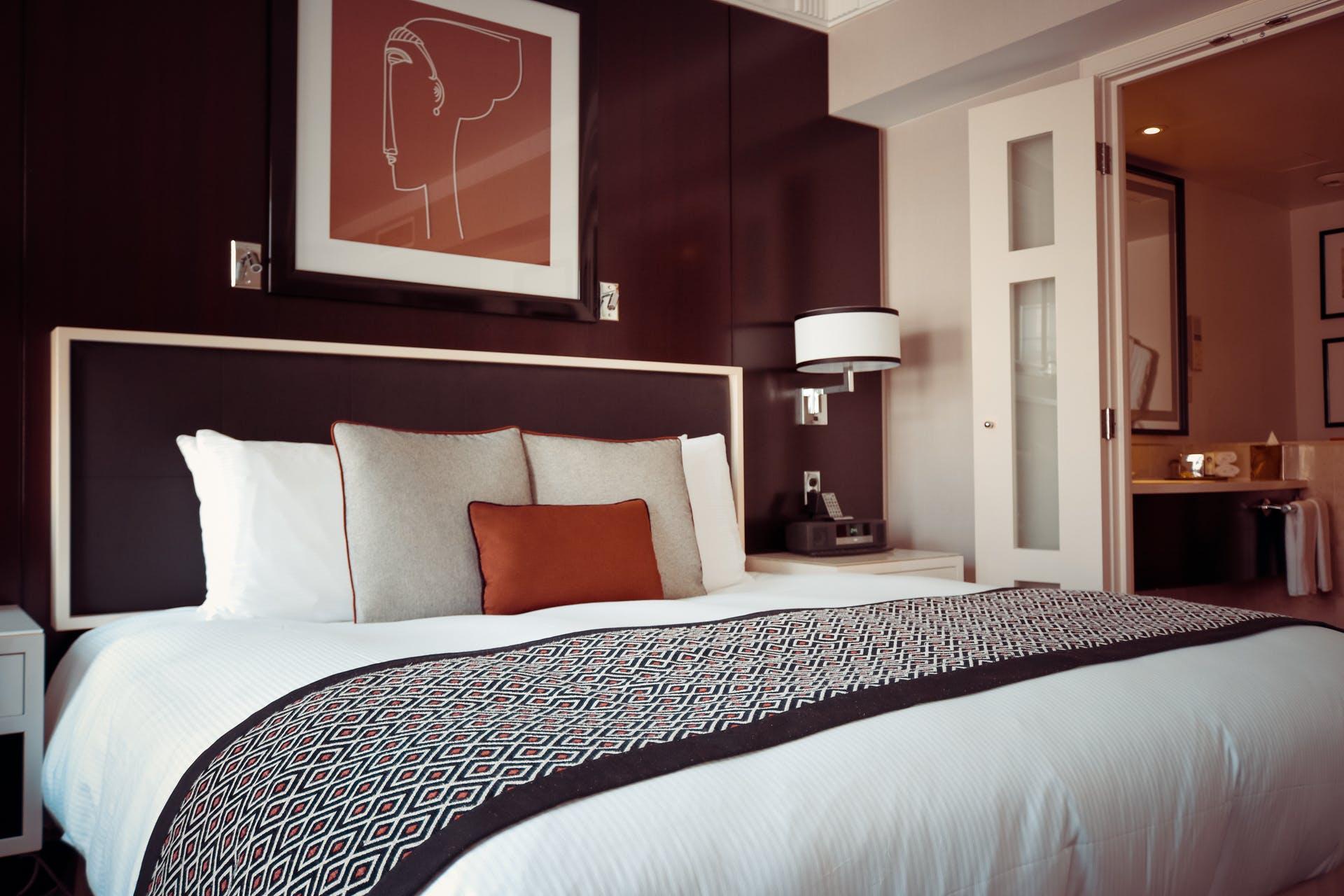 cama-hotel-hecha.jpeg