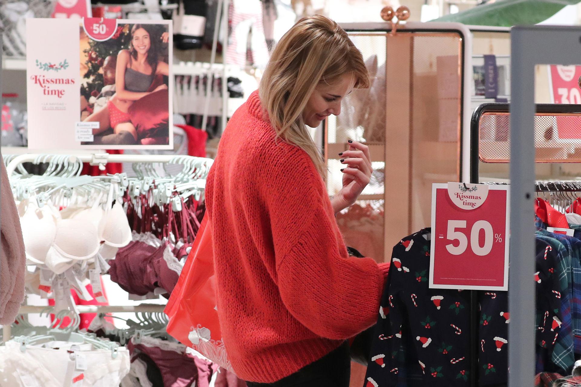 alba-carrillo-compras.jpg