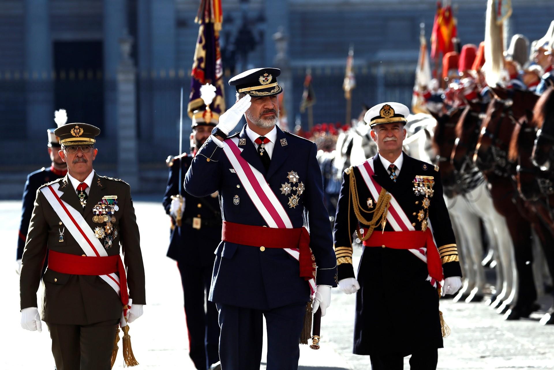 pascua-militar-felipe-vi-honores-guardia