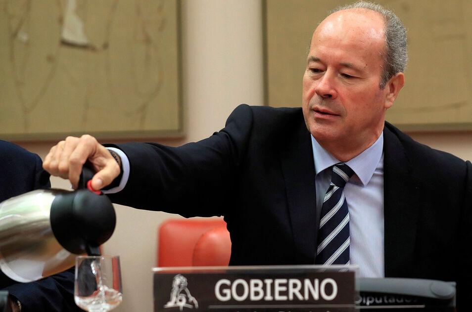 Tras la polémica elección de Dolores Delgado como Fiscal General del Estado, el Gobierno promete ahora una reforma para darle muchísimo más poder.