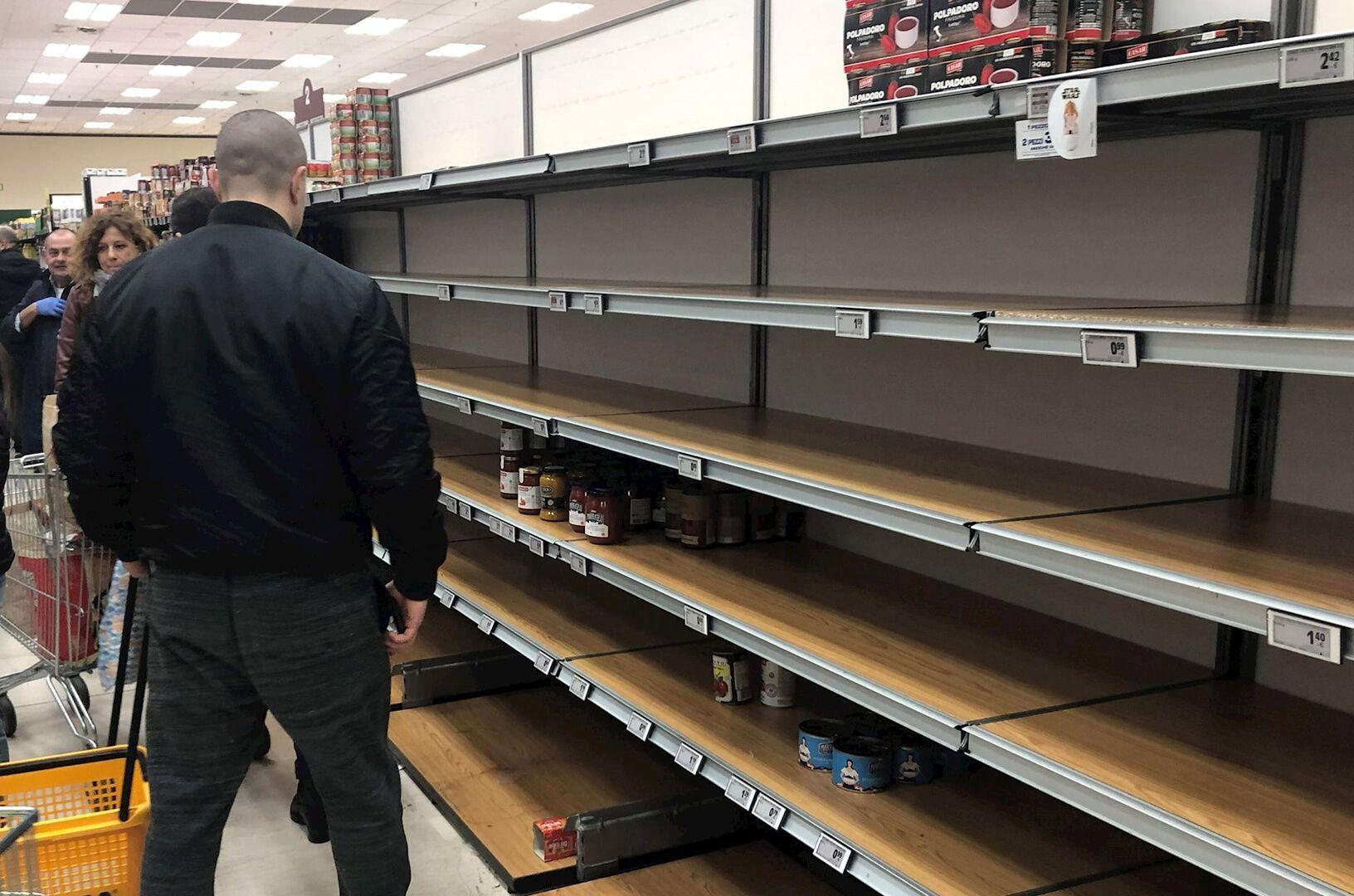 Los supermercados italianos, vacíos por el coronavirus