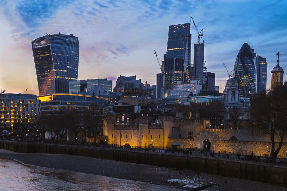 ¿Puede ser un modelo, para nuestro país, el sistema de inscripción automática británico puesto en marcha en 2012? ¿Quién asumiría el coste?