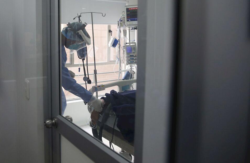 El jefe de Inmunología del Gregorio Marañón explica e Es la Mañana claves de la epidemia como el porqué de su rápida expansión.