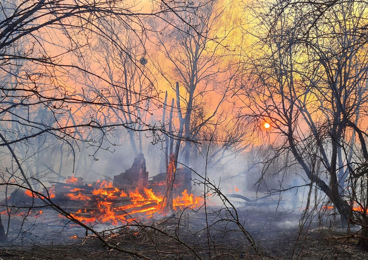 Un incendio dispara la radiactividad en Chernóbil