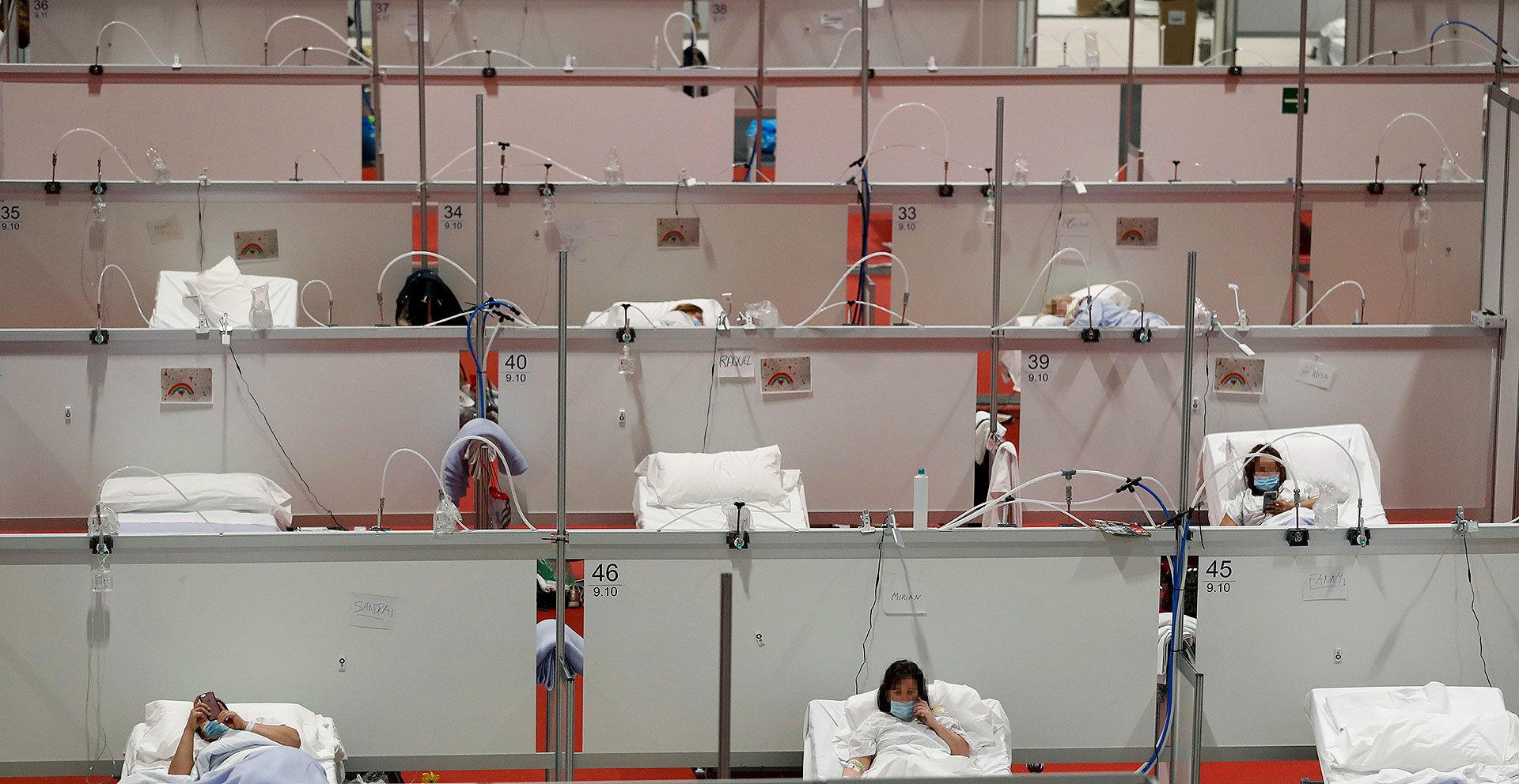 Vuelven a bajar los muertos y contagiados diarios en España