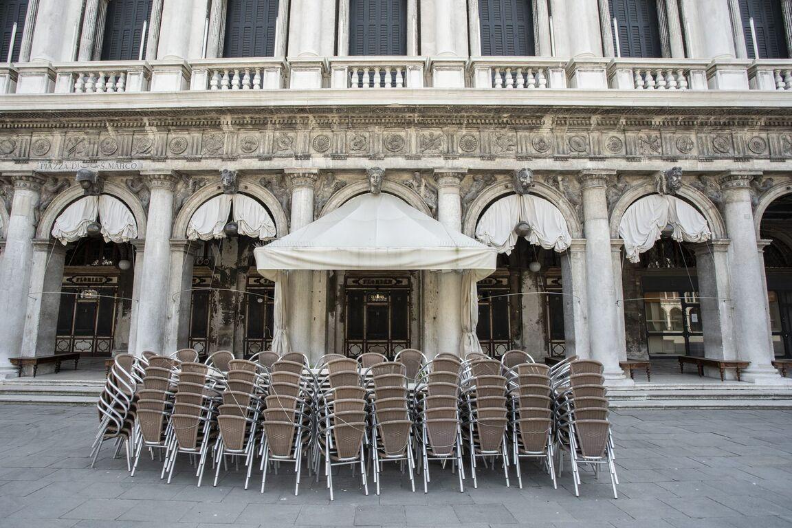 Seguro que has visto Venecia inundada ¿Pero la conoces sin agua? Venecia-italia-vacia-sin-turismo-arquitectura-00004