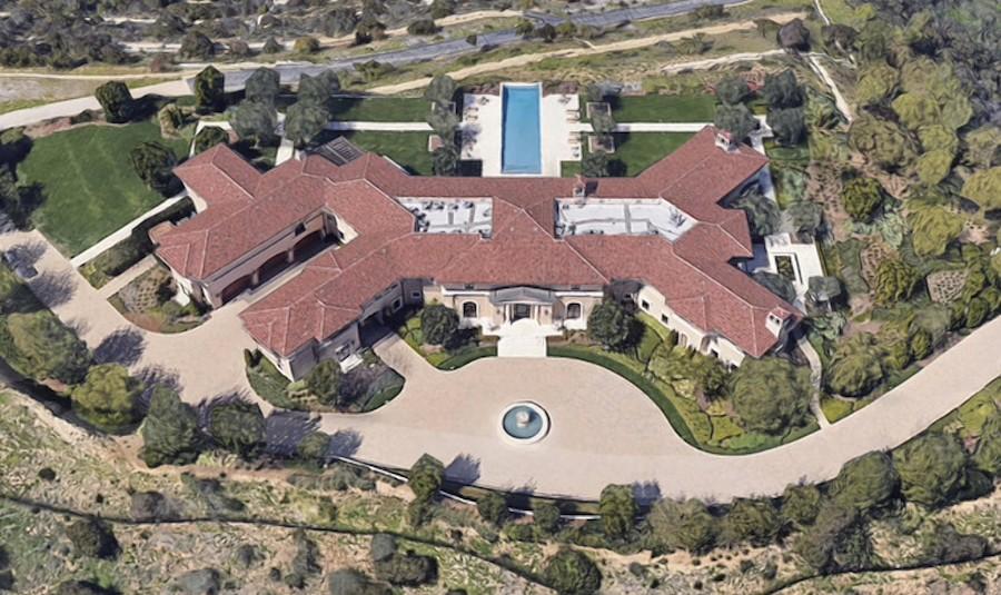 mansion-harry-meghan-beverly-hills.jpg