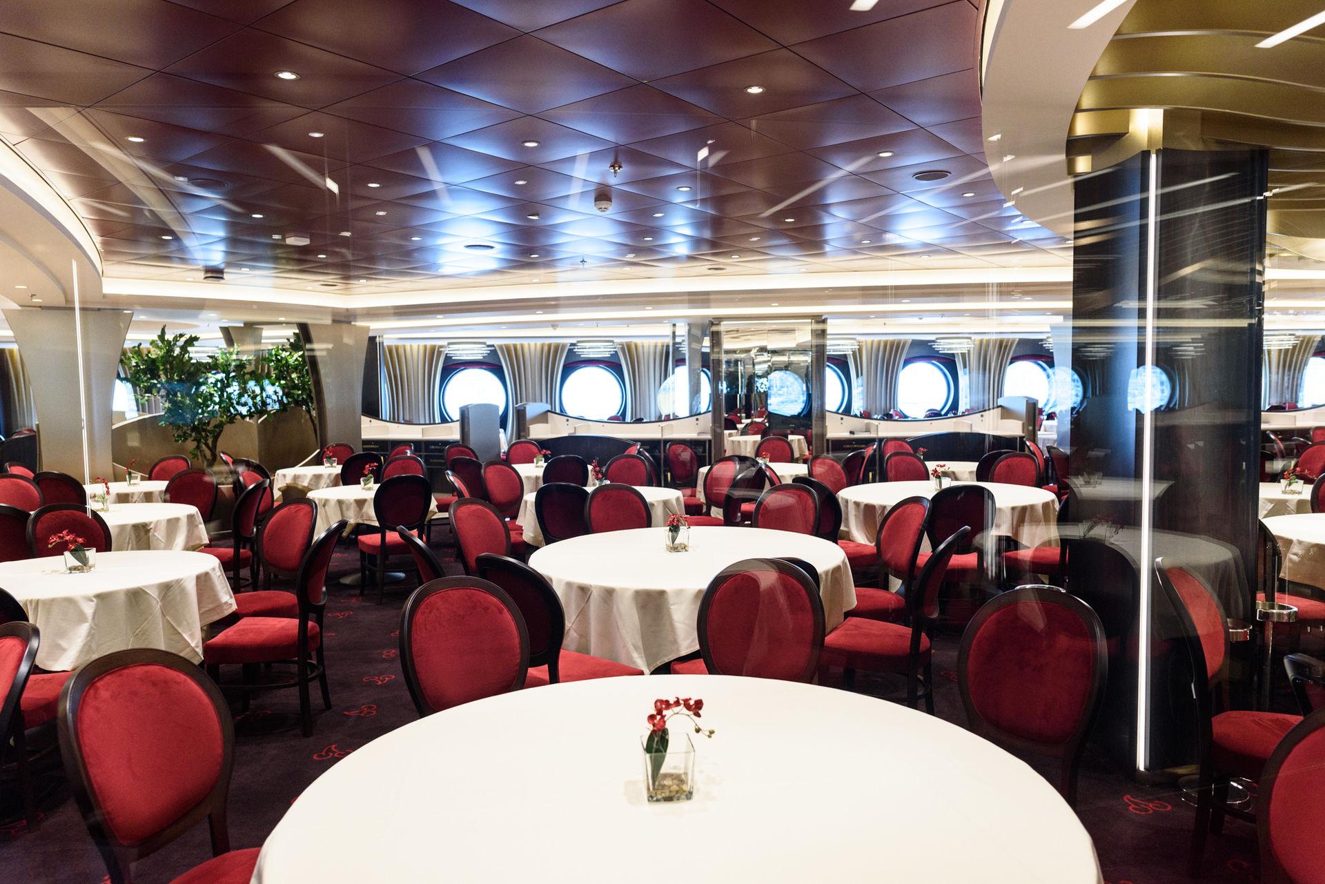 interior-restaurante-crucero-msc.jpg