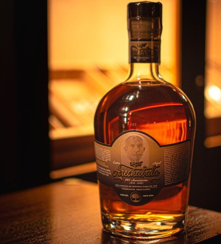 ron-arechabala-botella-140-aniversario-1.jpg