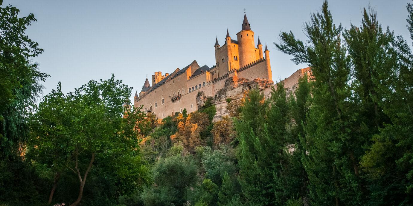 Sitios de España que vuelven a abrir: el imponente alcázar de Segovia