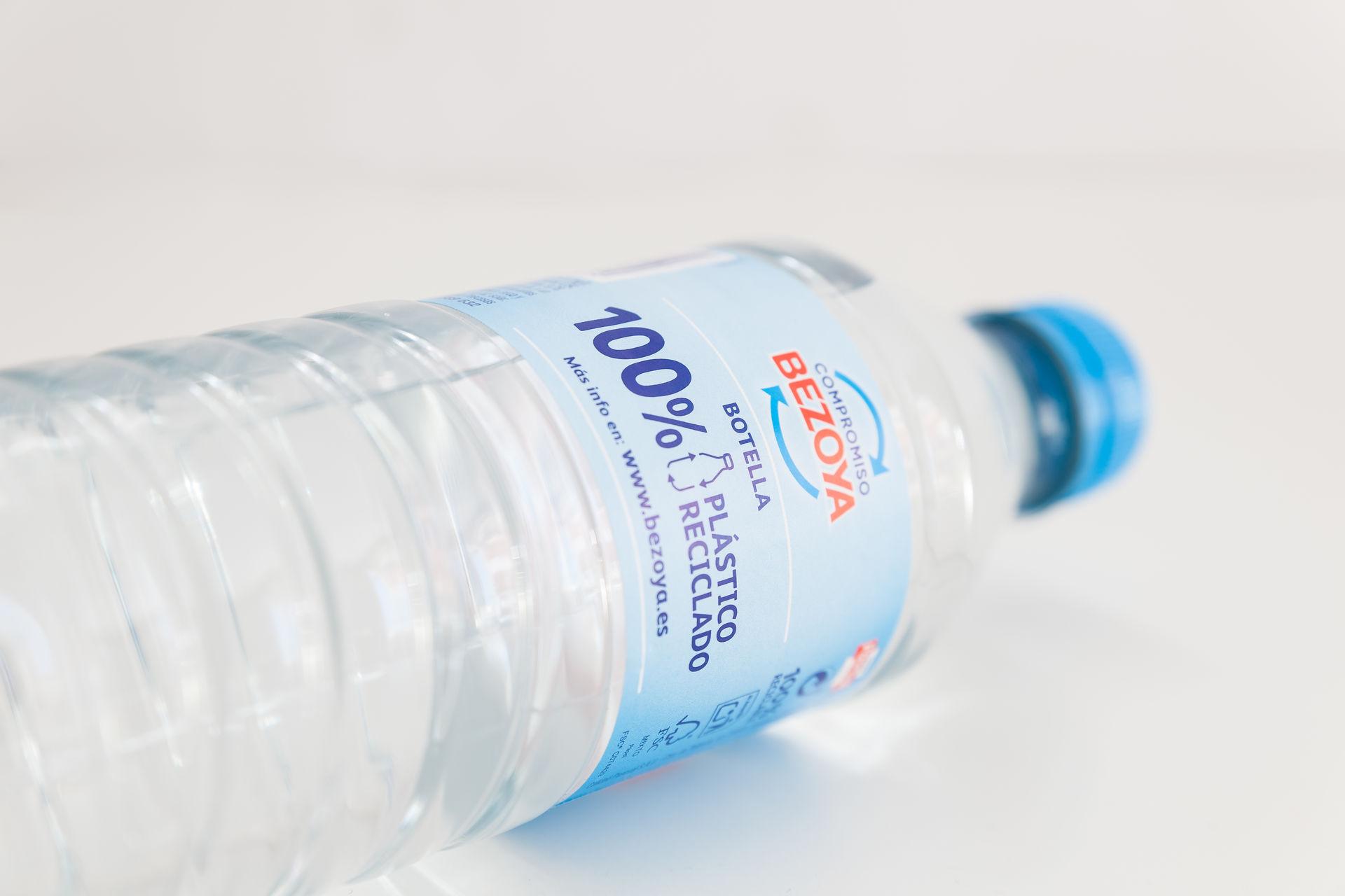 bezoya-botella-reciclada-dos.jpg