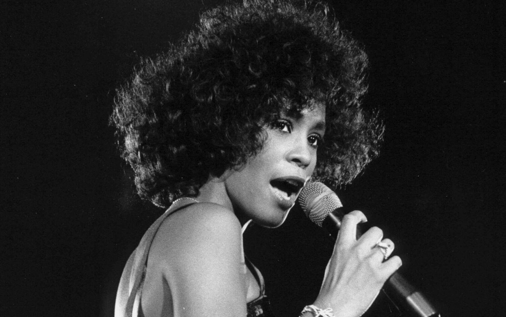 Whitney Houston murió devorada por las drogas de su exmarido - Chic
