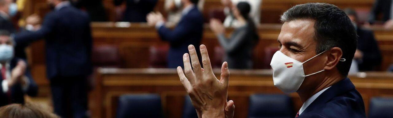Al votar a favor de la dictadura por 6 meses movibles, el Parlamento renuncia a su razón de ser y se convierte en sórdida zahurda de hampones a sueldo