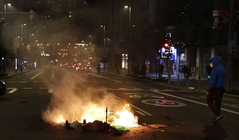 Nueva noche de disturbios por las restricciones: altercados en Madrid, Logroño, Málaga, Barcelona... 2