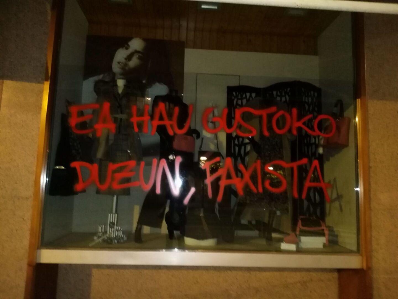 Pablo Casado, eres nuestra única esperanza - Página 6 Ataque-tienda-abascal