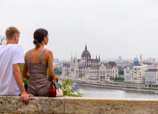 budapest-viajes-hungria-vistas-parlamento-pest.jpg