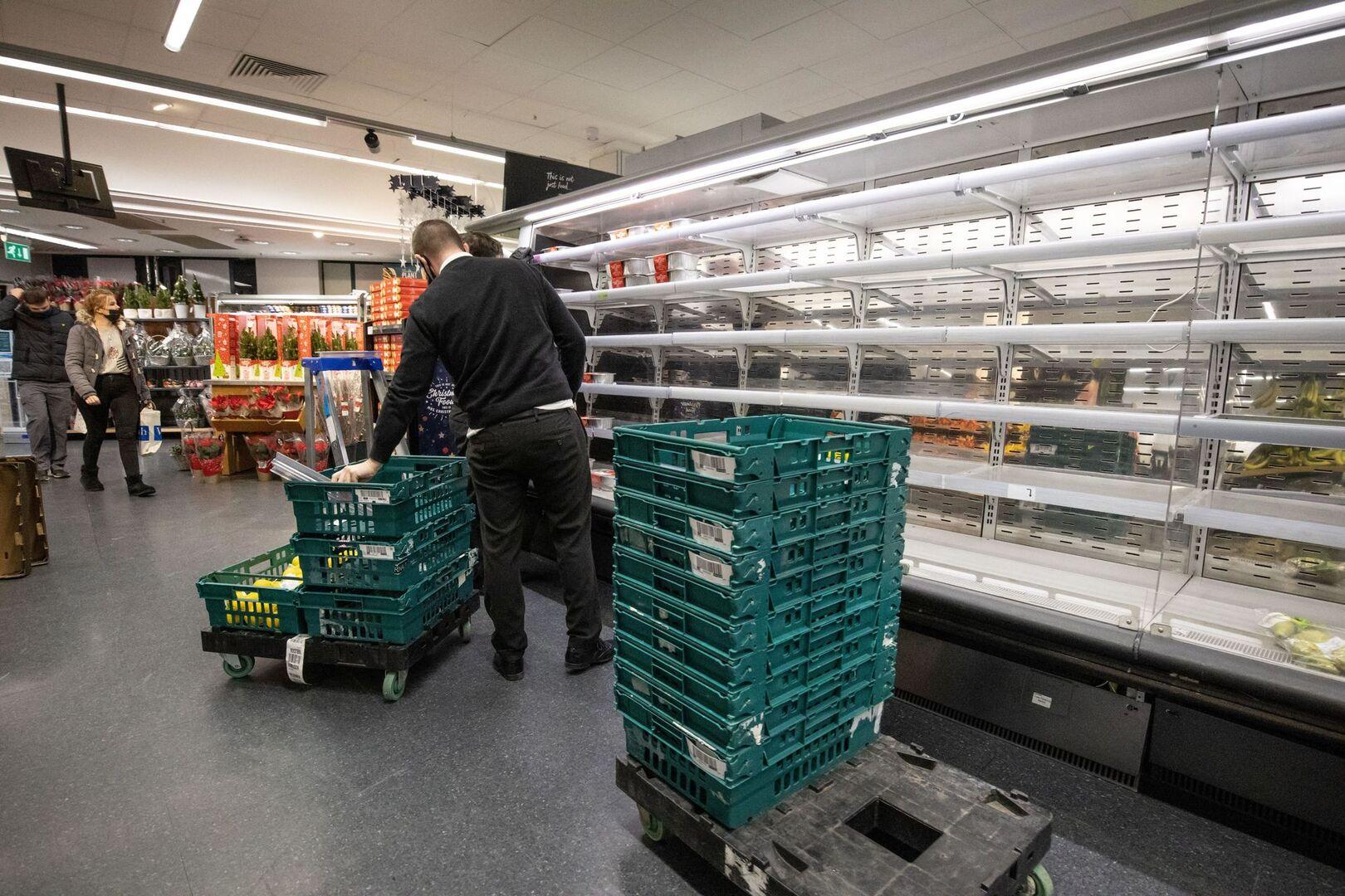 Los supermercados de Reino Unido se ven obligados a racionar alimentos ante  el pánico de los consumidores - Libre Mercado
