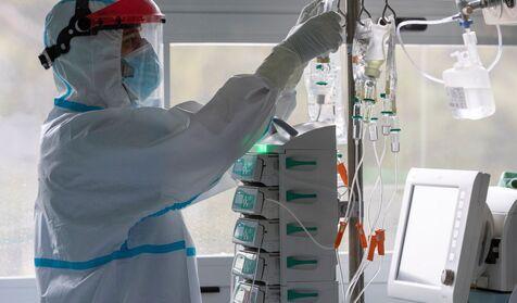 Las medidas que un grupo de médicos y científicos españoles proponen para atajar ya la tercera ola