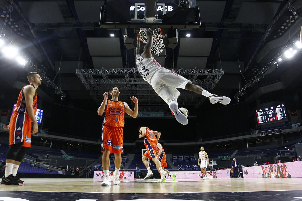 thompkins-mate-realmadrid-valenciabasket-copa2021.jpg