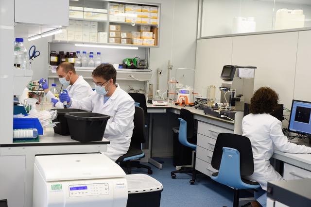laboratorio-vacuna-algenex.jpeg