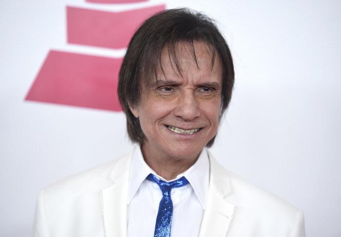 roberto-carlos-cantante.jpg