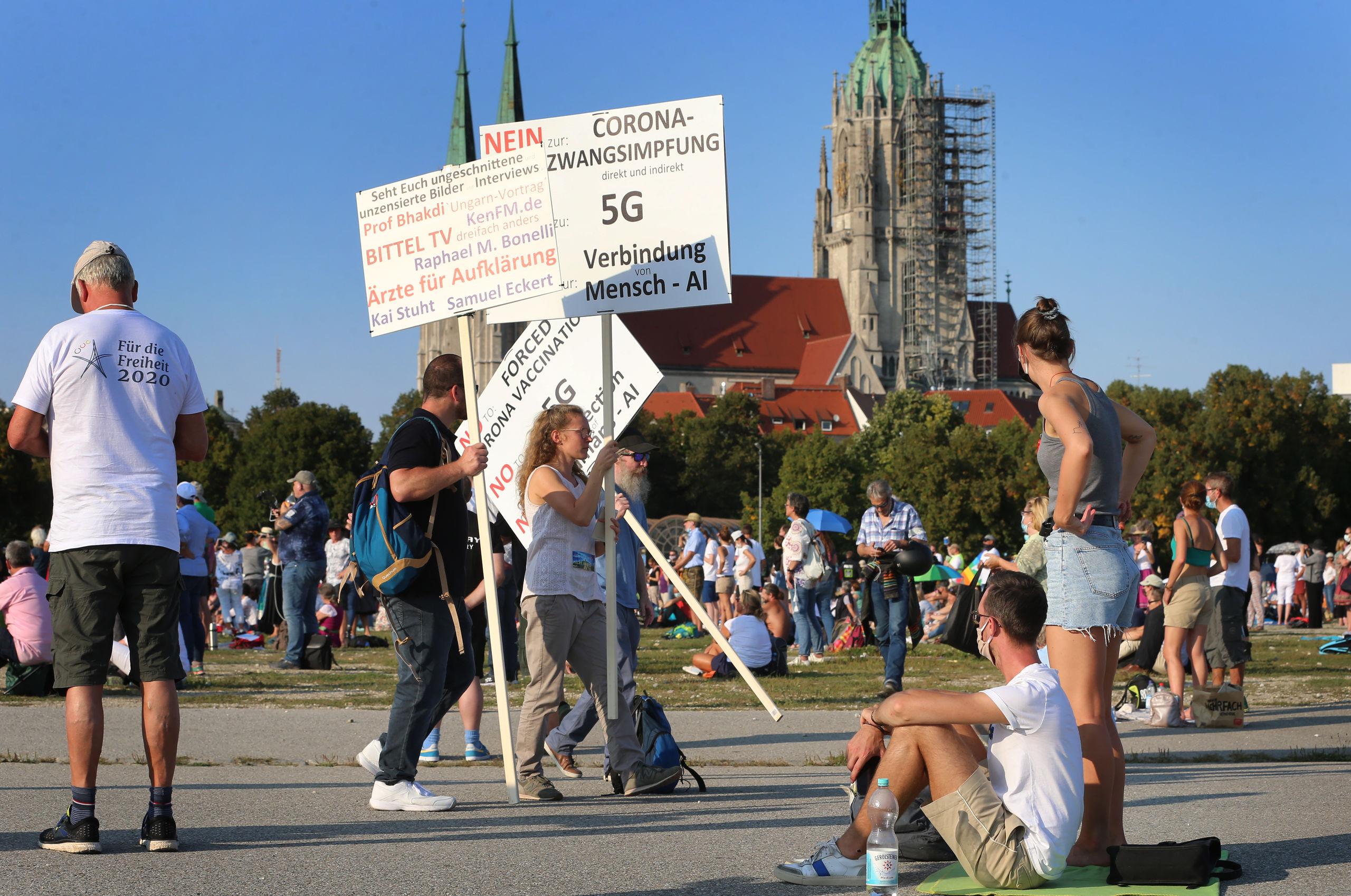 antivacunas-munich-protesta-210521.jpg