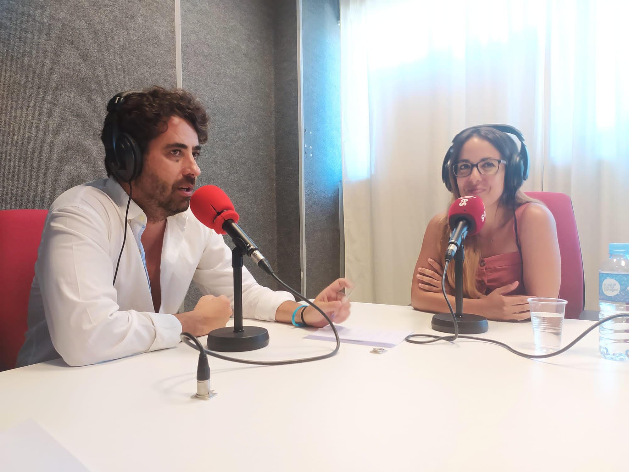 Pablo Gañán con Laura Montes en esRadio Sevilla