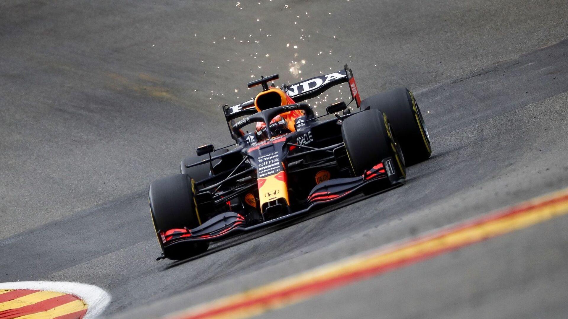 Verstappen saldrá primero delante de los Mercedes, Sain