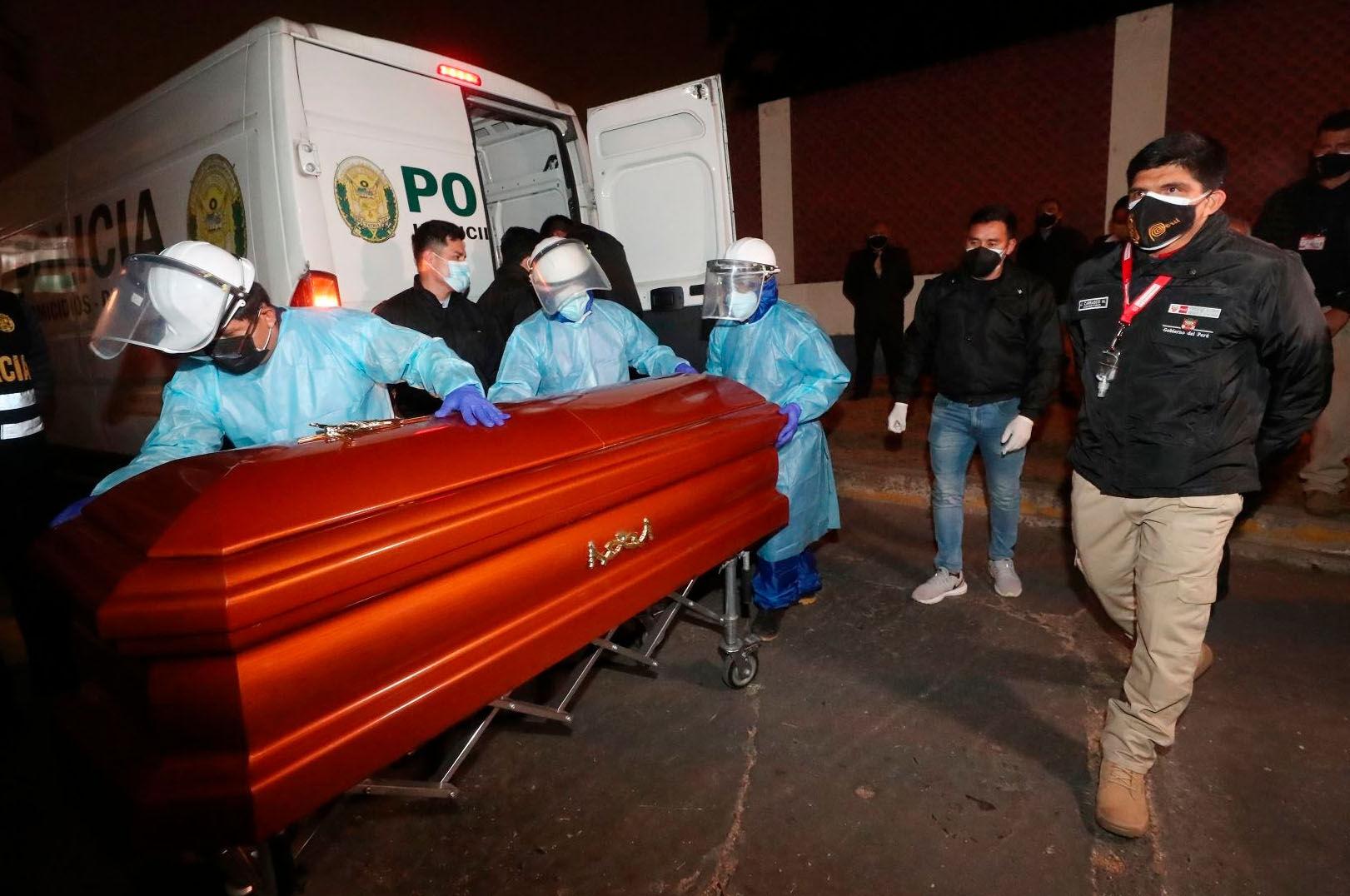 El Gobierno peruano confirma que se ha incinerado el cadáver del terrorista Abimael Guzmán - Libertad Digital