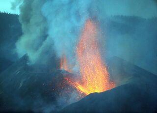 volcan-la-palma-erupcion-nube-cenizas-131021.jpg