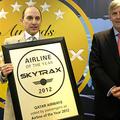 Momento de la entrega del premio | Qatar Airways