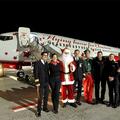 Santa Claus y el avión navideño a su llegada a Berlín | airberlin
