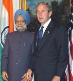 El primer ministro indio, Manmohan Singh, con George W. Bush.