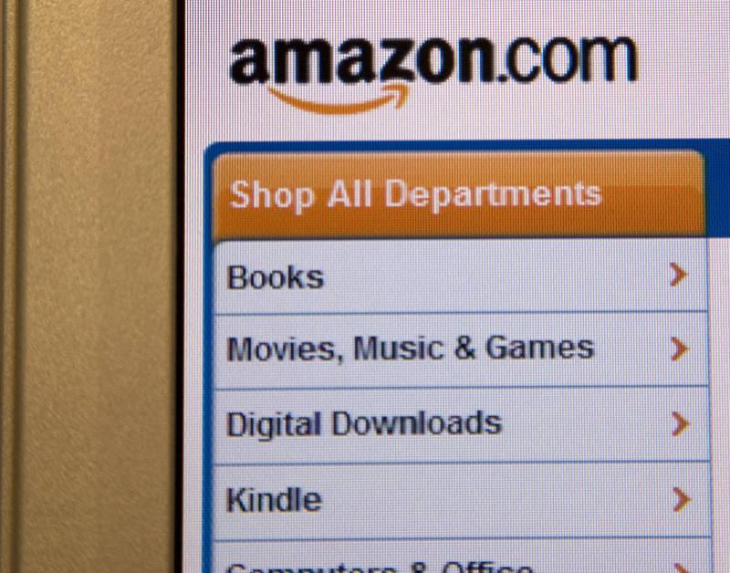 Por qué el último libro de Ken Follet es más caro electrónico que en ...